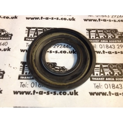 CLUTCH SIDE OIL SEAL RALLY/ PX